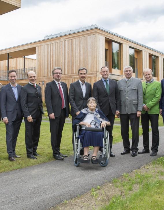 Eroeffnung Pflegewohneheim Fr. Dr. Erika Horn am 23.09.2015